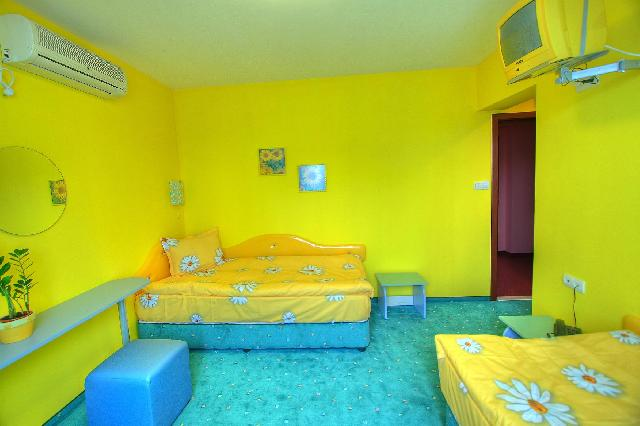 Хотел Мания