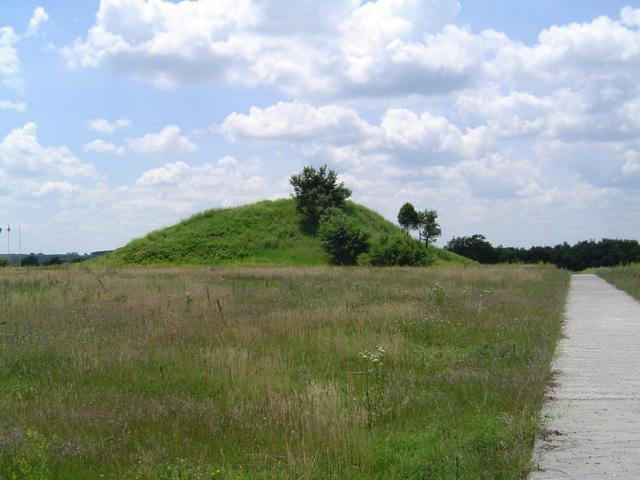 Тракийска гробница край с.Свещари